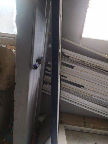 Portão de ferro 2.31x76 (REFORÇADO 5cm o Metalon) - Foto 2
