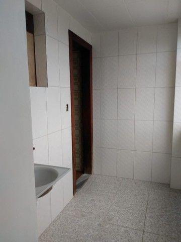 R$ 2 mil  loco apartamento Sandra Heloisa centro de Castanhal tem elevador - Foto 6