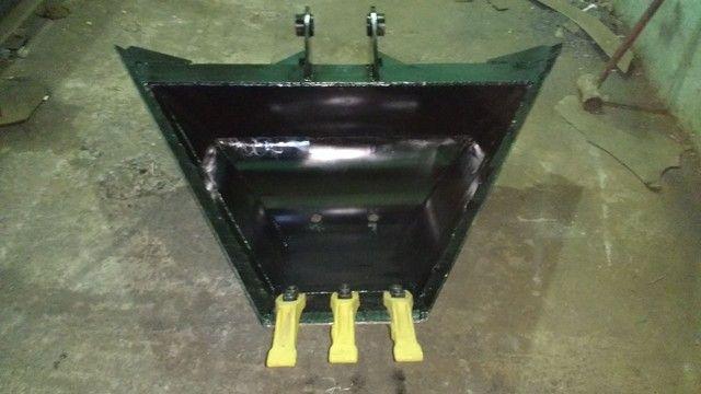 Trapezoidal retro escavadeira