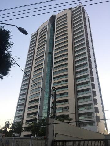 Apartamento no Meireles Próximo a Praia - 237m2 - 4 Suítes - 4 Vagas - Lazer Completo
