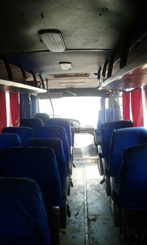 Vendo ou troco micro ônibus - Foto 4