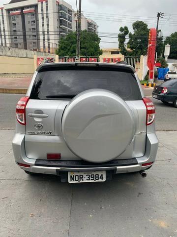 Toyota Rav4 com teto solar aceito financiamento - Foto 3