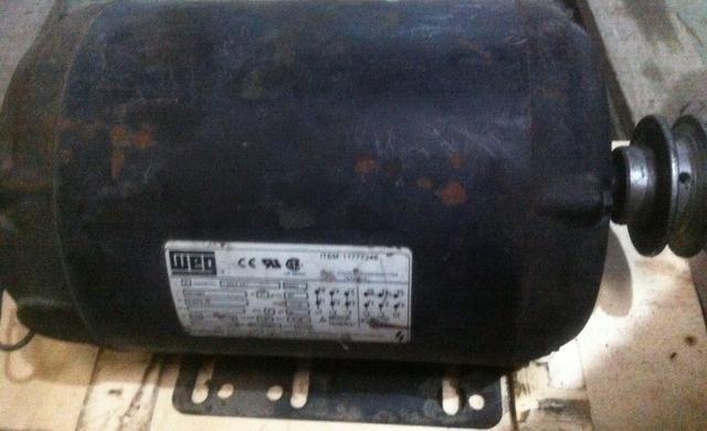 Motor Trifásico WEG 2cv 1700rpm