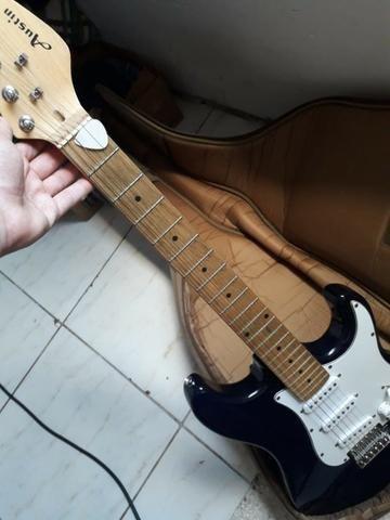 Guitarra Taylot, Austin