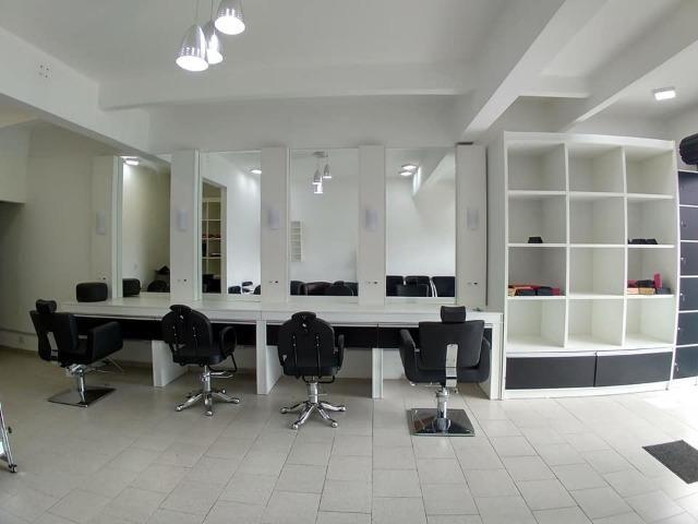 Ponto Com Instalação Para Salão e/ou Barbearia Em São José dos Pinhais