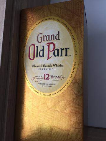 Caixa de whisky old parr