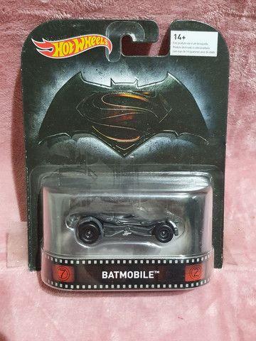 Batmobile Batman X Superman Hotwheels lacrado