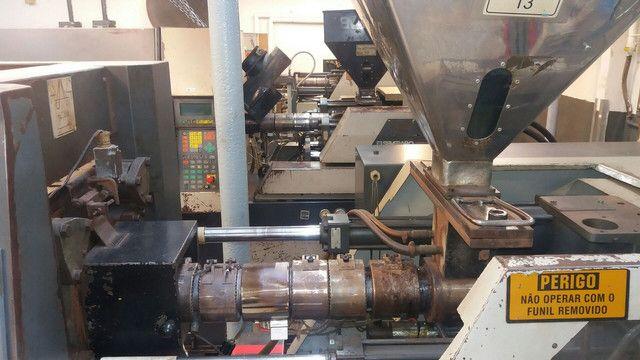 Vendo uma máquina injetora de plástico SEMERARO GIUSTA 260/65 - Foto 5