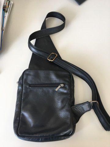 Bolsa masculina em couro - Foto 2
