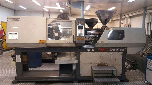 Vendo uma máquina injetora de plástico SEMERARO GIUSTA 260/65