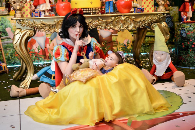 Festa Branca de Neve  personagem vivo