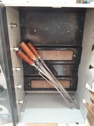 Churrasqueira giratória gás 5 espetos