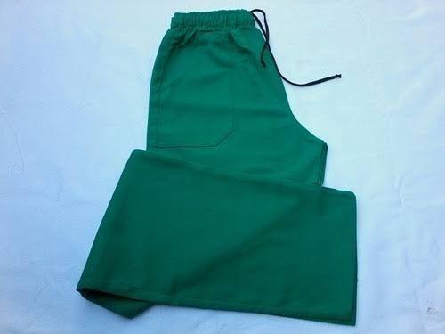 Fardamentos Calças pijamas verde e calças sociais - Foto 4