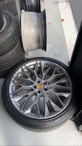 Vendo rodas aro 22 com pneus  - Foto 3