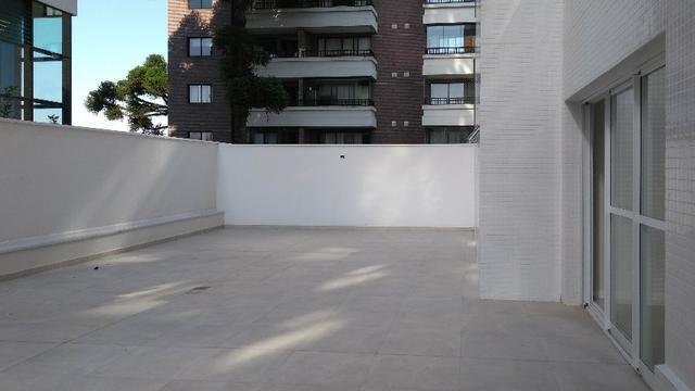 Apartamento com Terraço sendo 03 Suítes no São Francisco em Curitiba. - Foto 6