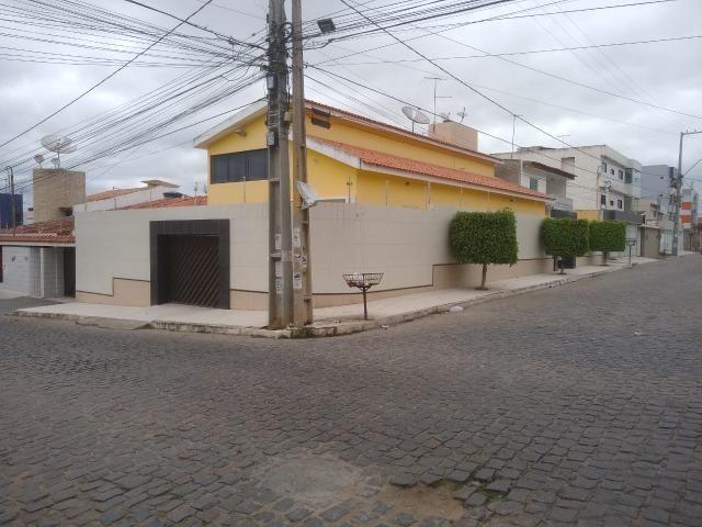 Casa no Bairro Universitário, 4 quartos! - Foto 2