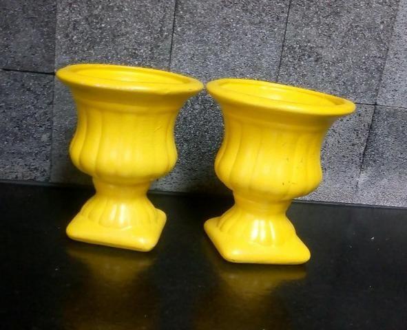 Jarros em Cerâmica na cor amarelo