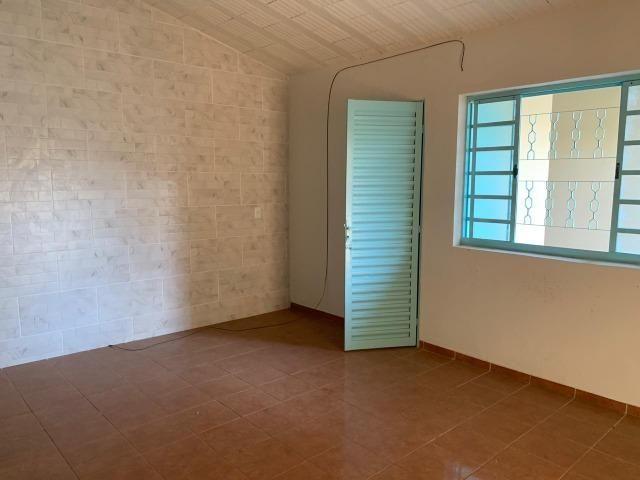 DA ótima casa em Itaúna com barracão nos fundos - Foto 7