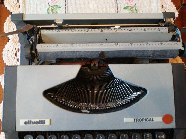 Máquina de escrever maleta, marca Ollivetti, modelo Tropical - Foto 5