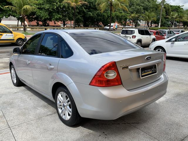 Focus Sedan GLX 2.0 Automático 2013/2013 - Foto 13