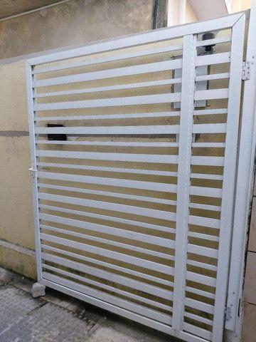 Vendo 2 portões de alumínio  - Foto 2