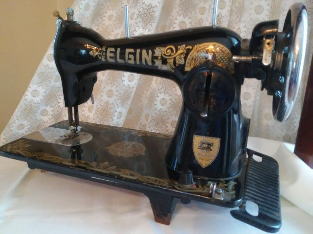 Máquina de costura Elgin antiguidade, relíquia - Foto 3