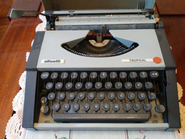 Máquina de escrever maleta, marca Ollivetti, modelo Tropical - Foto 6