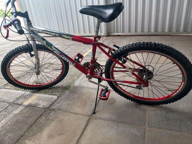 Vende uma bicicleta toda revisada aro 24  - Foto 6