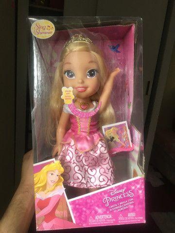 Boneca princesa bela adormecida Barbie nova