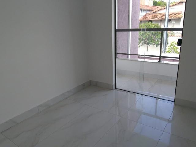 Casa geminada, 03 quartos, 01 vaga, 90 m² Bairro Planalto. - Foto 5