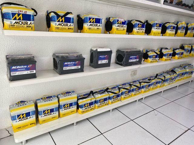 Bateria moura 40ah garantia 18meses a base de troca  - Foto 2