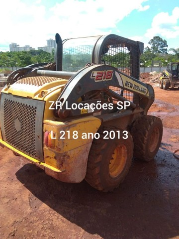 Minicarregadeira L218 ano 2013
