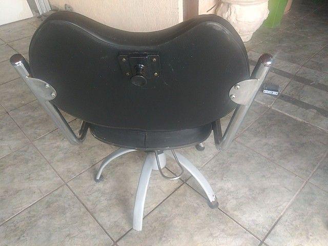 Cadeiras hidráulicas salão