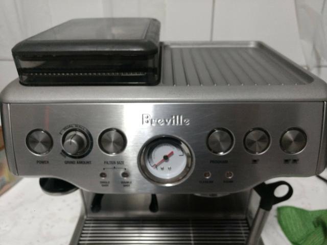 Máquina de café expresso Barista ByBrevile