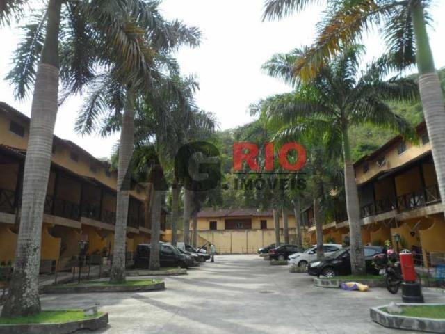 Casa de condomínio para alugar com 2 dormitórios cod:TQCN20044