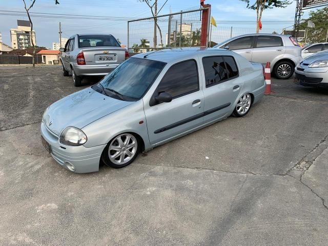 Clio sedan RT - Completo - Repasse / Abaixo da fipe