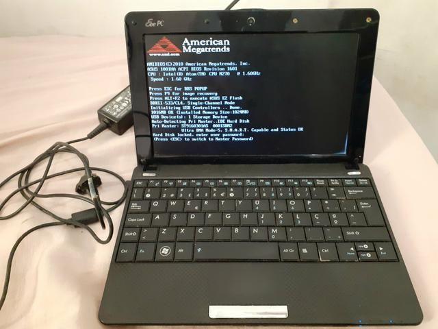 Notebook Asus com bolsa protetora