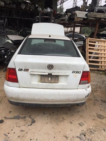 Sucata Volkswagen Polo Classic 1999 1.8 8v Para retirada de peças - Foto 2