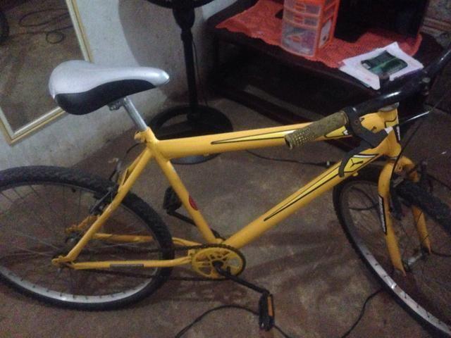 Vendo uma bicicleta por 300 reais deixo até 280,00