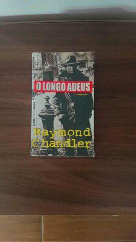 Livro de Bolso - O longo adeus - Foto 2