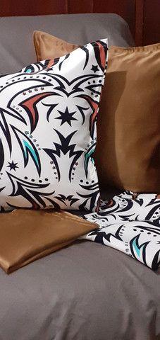 Kit de 05 almofadas decorativas completas capa e enchimento individual com zíper  - Foto 6
