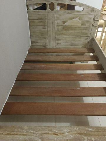 Cama madeira maciça queem