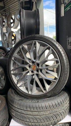 Vendo rodas aro 22 com pneus  - Foto 6