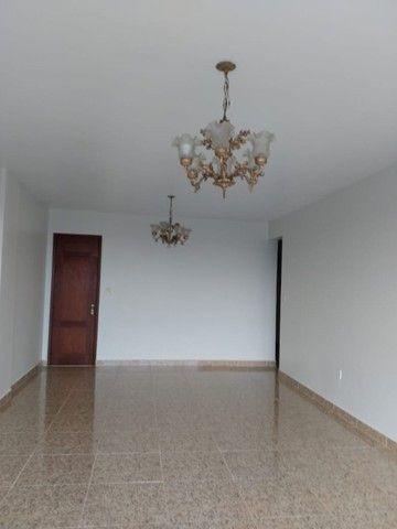 R$ 2 mil  loco apartamento Sandra Heloisa centro de Castanhal tem elevador - Foto 4