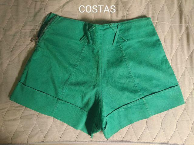 Short Verde cintura alta com detalhes em strass - Foto 4