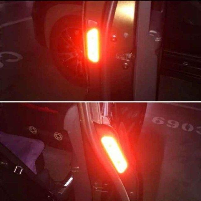 Adesivo de Carro e Bike 4unid Refletivo luminoso Etiqueta Chama Atenção  - Foto 6