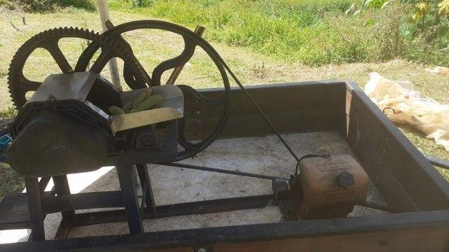Vendo moinho de cana com motor a gasolina e com carrocinha
