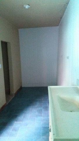 Alugo casa no alto da serra de 1 quarto, sala cozinha, banheiro e área - Foto 5