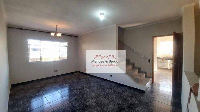 Sobrado com 4 dormitórios para alugar, 160 m² por R$ 2.500,00/mês - Cocaia - Guarulhos/SP - Foto 3