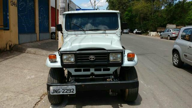 TOYOTA BANDEIRANTES PICK-UP 4X4